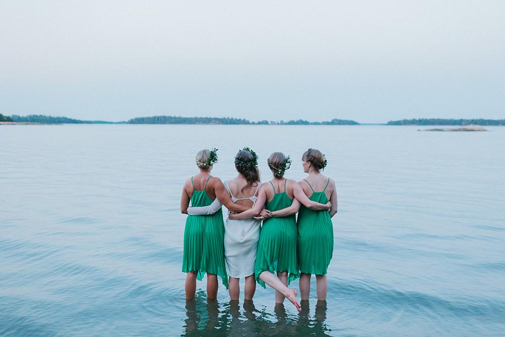woodland bridal party